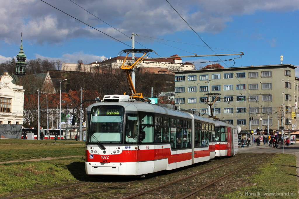 Fotogalerie » Pragoimex VarioLF2R.E 1072 | Pragoimex VarioLFR.E 1574 | Brno | Staré Brno | Veletržní