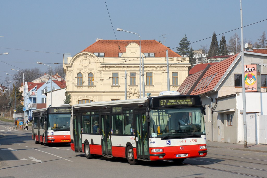 Fotogalerie » Irisbus Citybus 12M 2071.40 3B2 8598 7626 | Irisbus Citybus 12M 2071.30 BZM 86-68 7615 | Brno | Žabovřesky | Horova