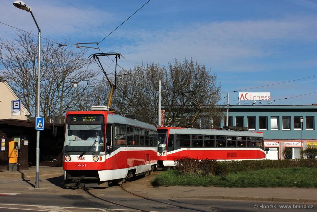 Fotogalerie » ČKD DS T3R 1663   ČKD DS T3R 1664   Brno   Černá Pole   Merhautova   Štefánikova čtvrť