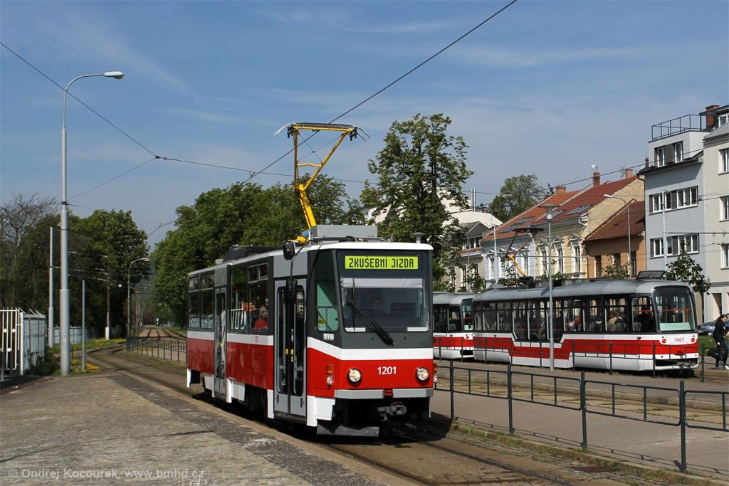 Fotogalerie » ČKD DS T6A5 1201   Brno   Pisárky   Hlinky   Výstaviště, hlavní vstup