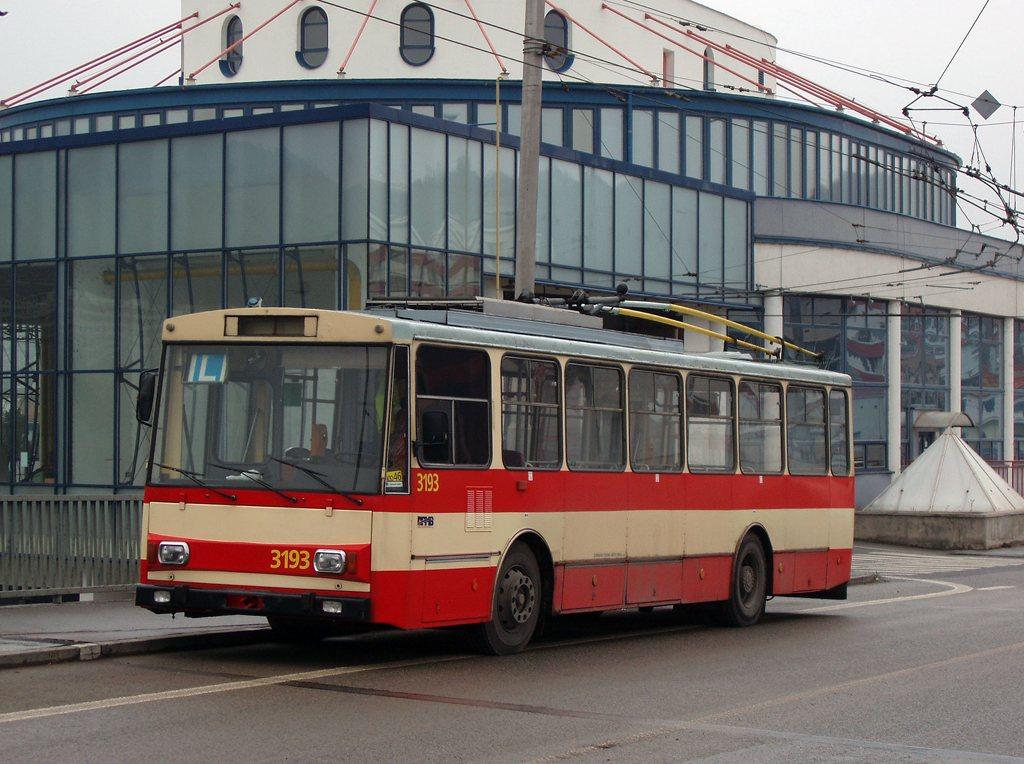 Fotogalerie » Škoda 14Tr07 3193 | Brno | Komín | Vozovna Komín