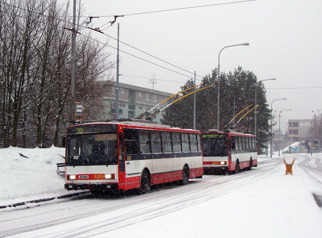 Fotogalerie » Škoda 14Tr17/6M 3283   Škoda 14TrR 3263   Brno   Bystrc   Černého