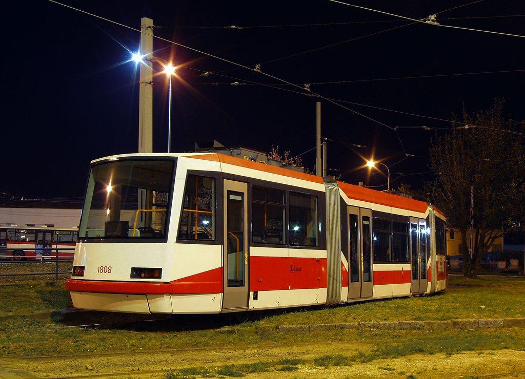 Fotogalerie » Škoda 03T6 1808 | Brno | vozovna Medlánky