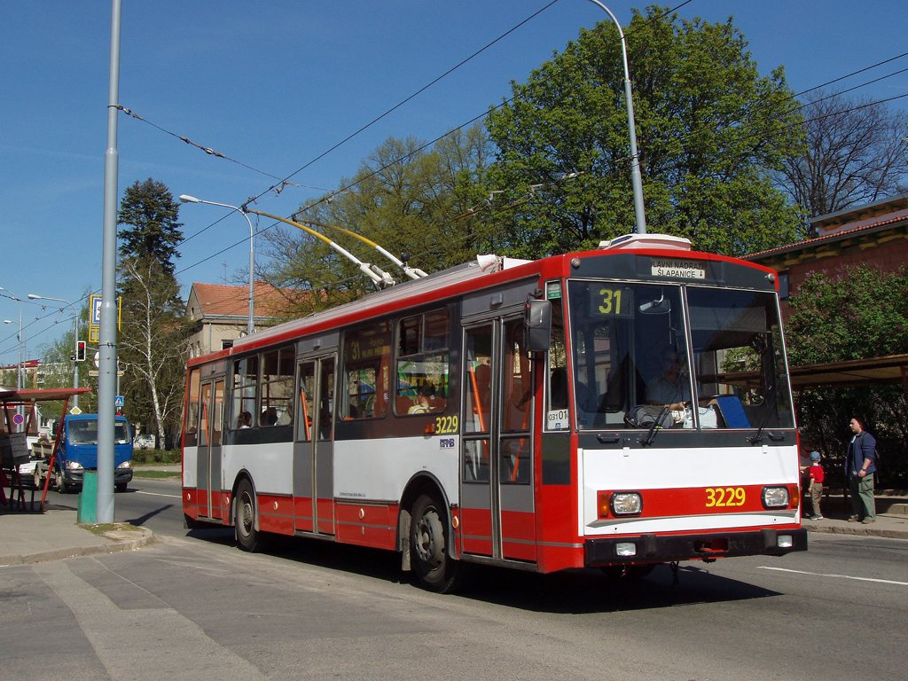 Fotogalerie » Škoda 14Tr08/6 3229 | Brno | Slatina | Matlachova | Přemyslovo náměstí