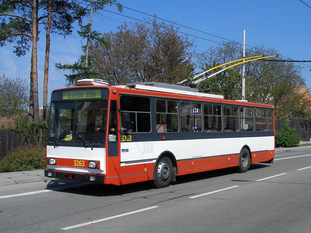 Fotogalerie » Škoda 14TrR 3263   Brno   Komín