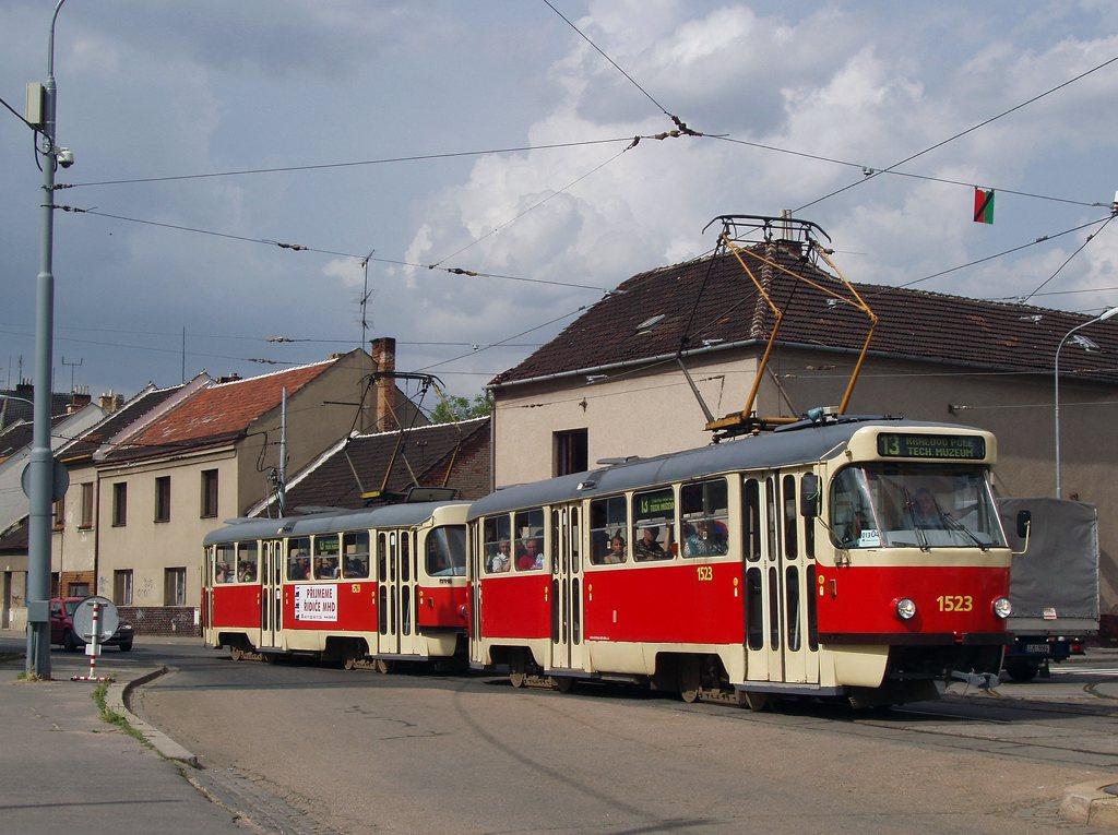 Fotogalerie » ČKD Tatra T3 1523 | ČKD Tatra T3 1528 | Brno | Židenice | Životského | Životského