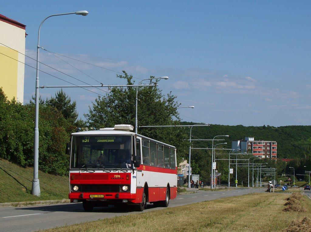 Fotogalerie » Karosa B732.1654.3 7376 | Brno | Kohoutovice | Libušina třída