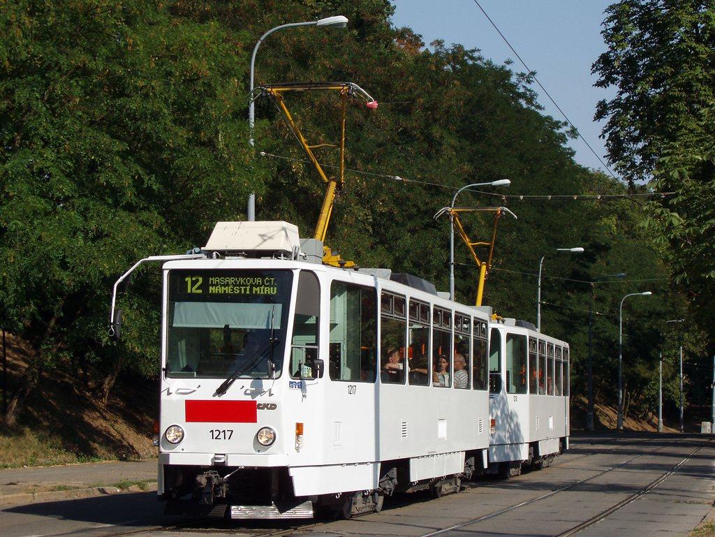 Fotogalerie » ČKD DS T6A5 1217 | ČKD DS T6A5 1218 | Brno | Veveří | Údolní