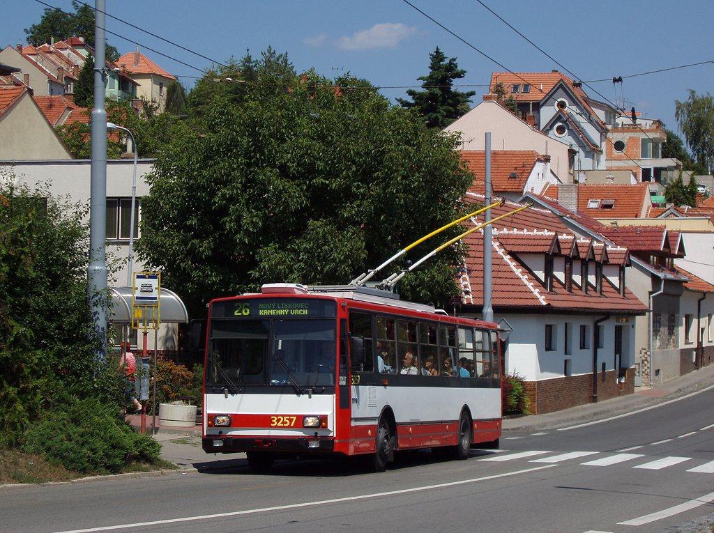 Fotogalerie » Škoda 14TrR 3257 | Brno | Nový Lískovec | Rybnická | Kluchova