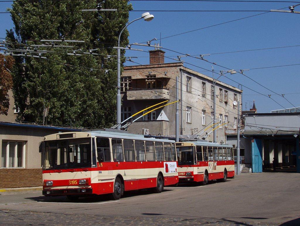 Fotogalerie » Škoda 14Tr07 3195 | Škoda 14Tr07 3197 | Brno | Vozovna Husovice