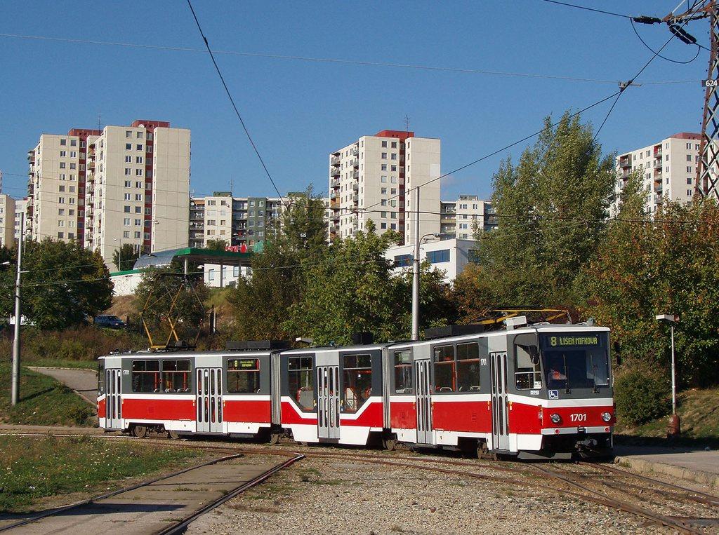 Fotogalerie » ČKD Tatra KT8D5R.N2 1701 | Brno | Starý Lískovec | Starý Lískovec, smyčka