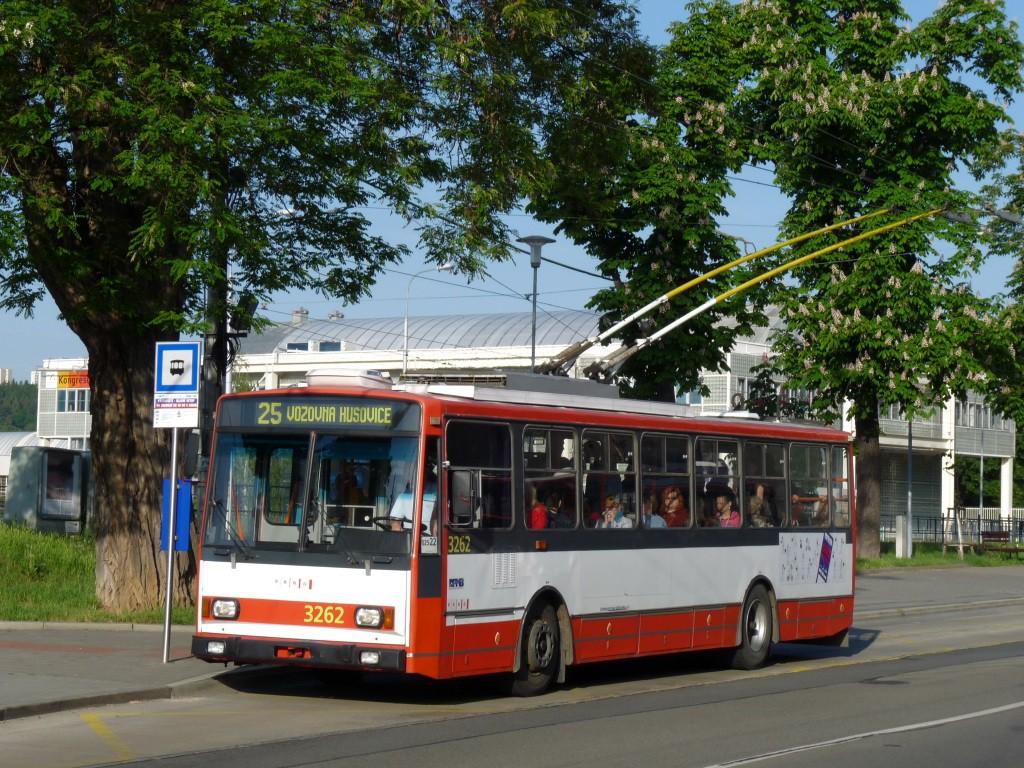 Fotogalerie » Škoda 14TrR 3262 | Brno | Pisárky | Hlinky | Výstaviště, hlavní vstup