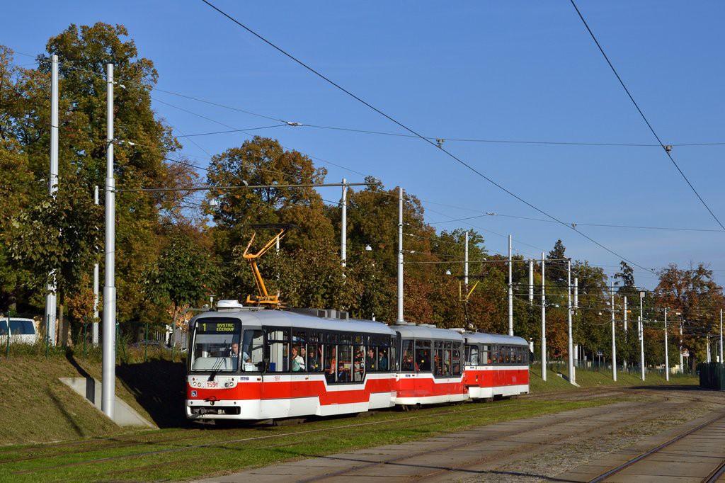 Fotogalerie » Pragoimex VarioLFR.E 1551 | Pragoimex VV60LF 1301 | Pragoimex T3R.EV 1560 | Brno | Pisárky | Hlinky