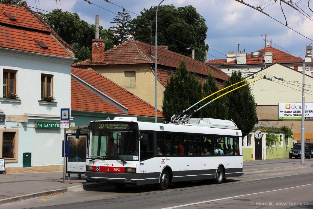 Fotogalerie » Škoda 21TrAC 3057   Brno   Pisárky   Hlinky   Výstaviště, hlavní vstup