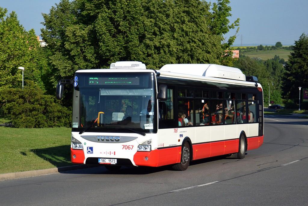 Fotogalerie » Iveco Urbanway 12M CNG 1BC 1573 7067 | Brno | Starý Lískovec | Osová
