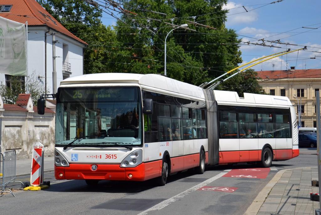 Fotogalerie » Škoda 25Tr Citelis 1B 3615 | Brno | Staré Brno | Mendlovo náměstí