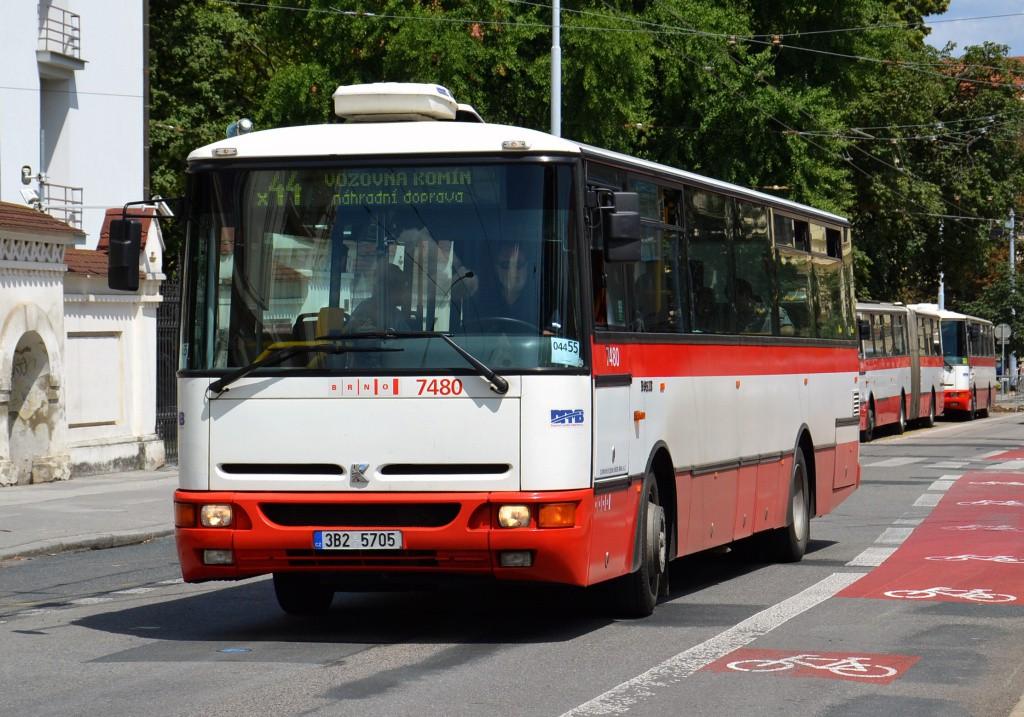 Fotogalerie » Karosa B951E.1713 3B2 5705 7480 | Brno | Staré Brno | Mendlovo náměstí
