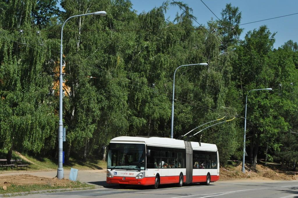 Fotogalerie » Škoda 25Tr Citelis 1B 3612 | Brno | Kohoutovice | Libušino údolí | Borodinova