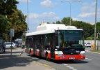 Na možnost rozšířené přepravy jízdních kol upozorňuje zelená nálepka na čele vybraných vozů SOR NBG 12