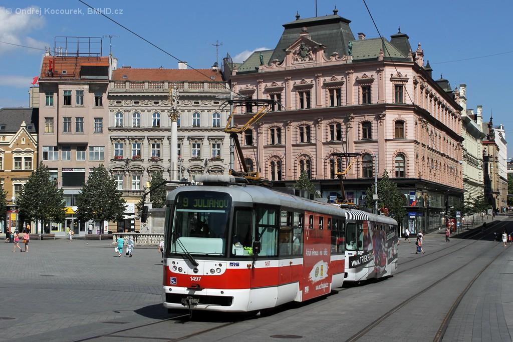 Fotogalerie » Pragoimex VarioLFR.E 1497   Pragoimex VarioLFR.E 1553   Brno   střed   náměstí Svobody
