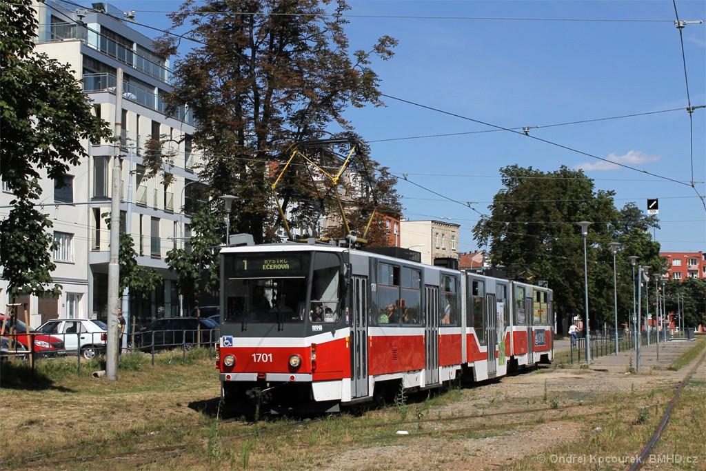 Fotogalerie » ČKD Tatra KT8D5R.N2 1701 | Brno | Pisárky | Hlinky