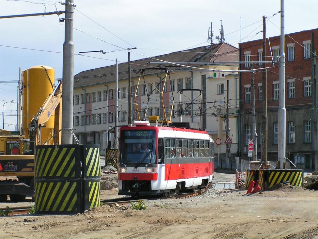 Fotogalerie » ČKD DS T3RF 1669 | ČKD DS T3RF 1670 | Brno | Pisárky