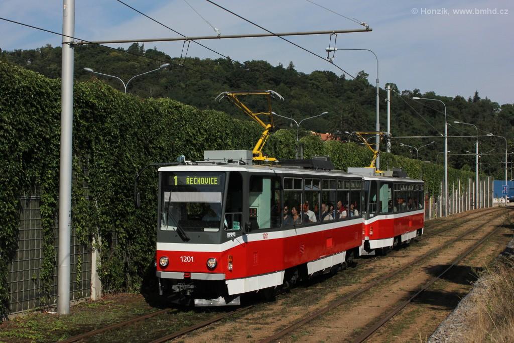Fotogalerie » ČKD DS T6A5 1201 | ČKD DS T6A5 1202 | Brno | Pisárky | Žabovřeská