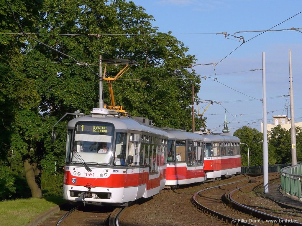 Fotogalerie » Pragoimex VarioLFR.E 1551 | Pragoimex VV60LF 1304 | Pragoimex T3R.EV 1569 | Brno | Pisárky | Hlinky