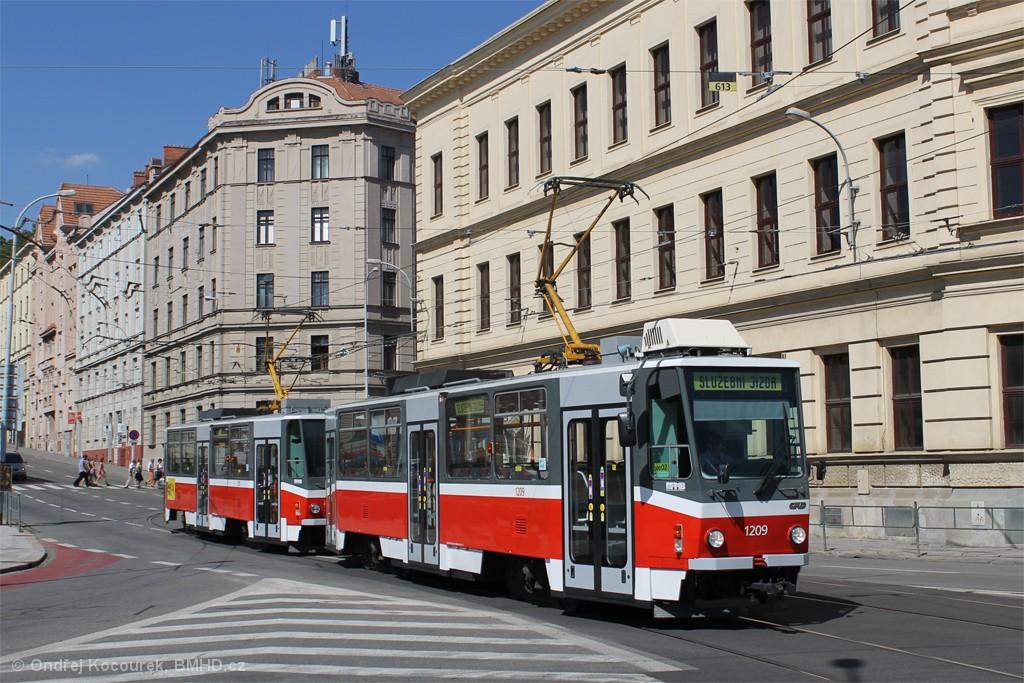 Fotogalerie » ČKD DS T6A5 1209   ČKD DS T6A5 1210   Brno   Staré Brno   Mendlovo náměstí