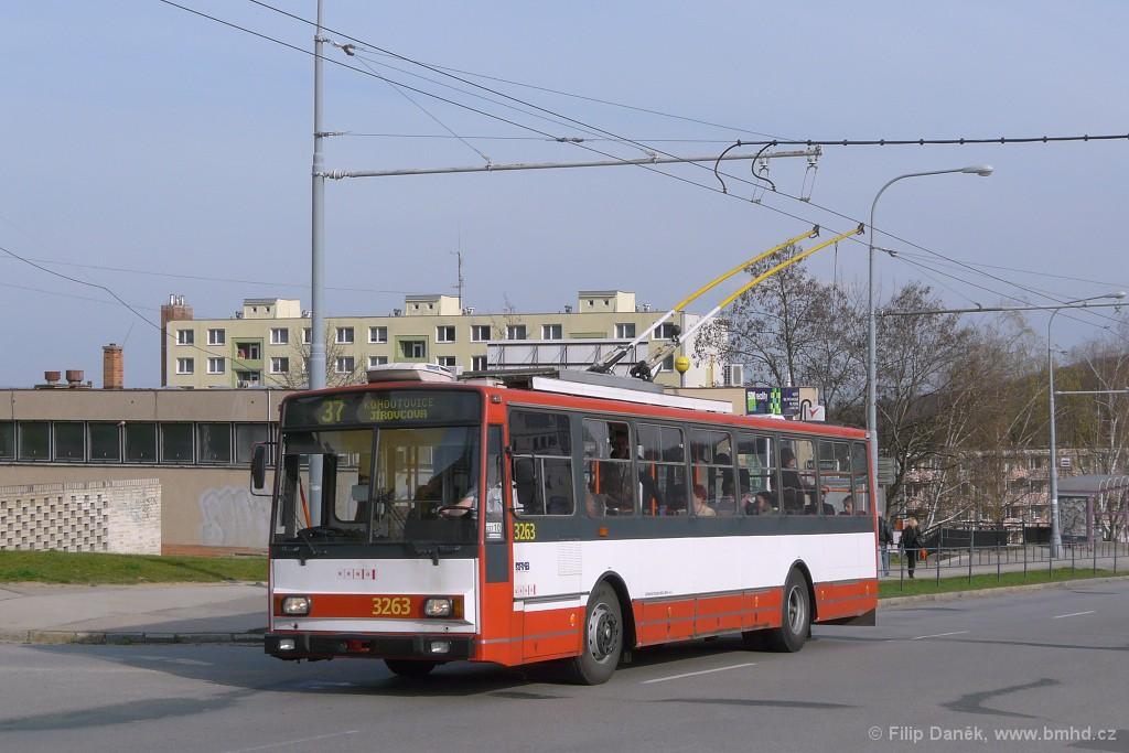 Fotogalerie » Škoda 14TrR 3263   Brno   Kohoutovice   Libušina třída