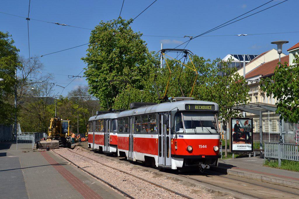 Fotogalerie » ČKD Tatra T3M 1544 | ČKD Tatra T3M 1557 | Brno | Pisárky | Hlinky | Výstaviště, vstup G2