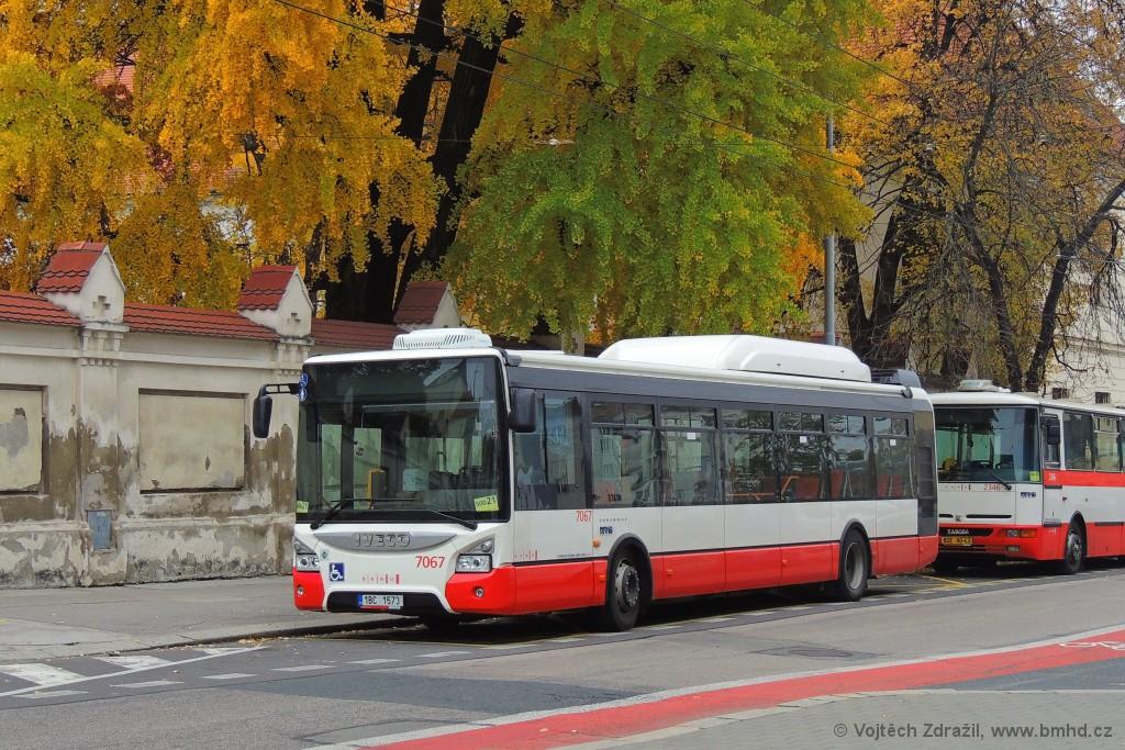 Fotogalerie » Iveco Urbanway 12M CNG 1BC 1573 7067 | Brno | Staré Brno | Mendlovo náměstí