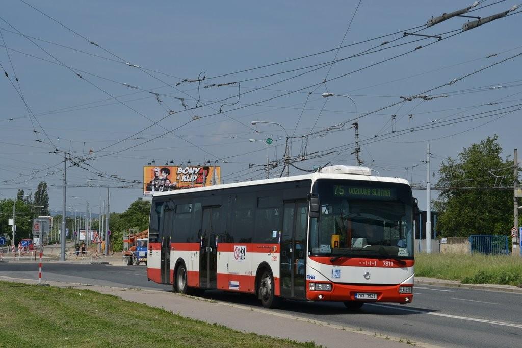 Fotogalerie » Irisbus Crossway LE 12M 7B3 3921 7811 | Brno | Slatina | Hviezdoslavova | Černovičky