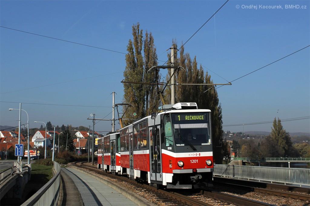 Fotogalerie » ČKD DS T6A5 1201 | ČKD DS T6A5 1202 | Brno | Bystrc | Obvodová