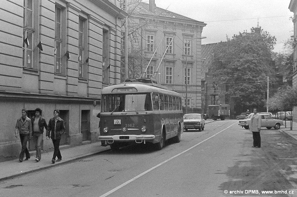 Fotogalerie » Škoda 9TrHT28 3142   Brno   střed   Údolní