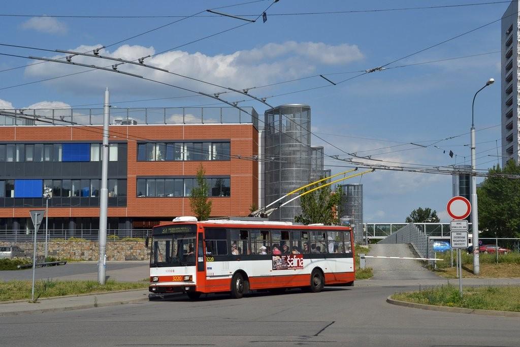 Fotogalerie » Škoda 14TrR 3220   Brno   Bohunice   Netroufalky
