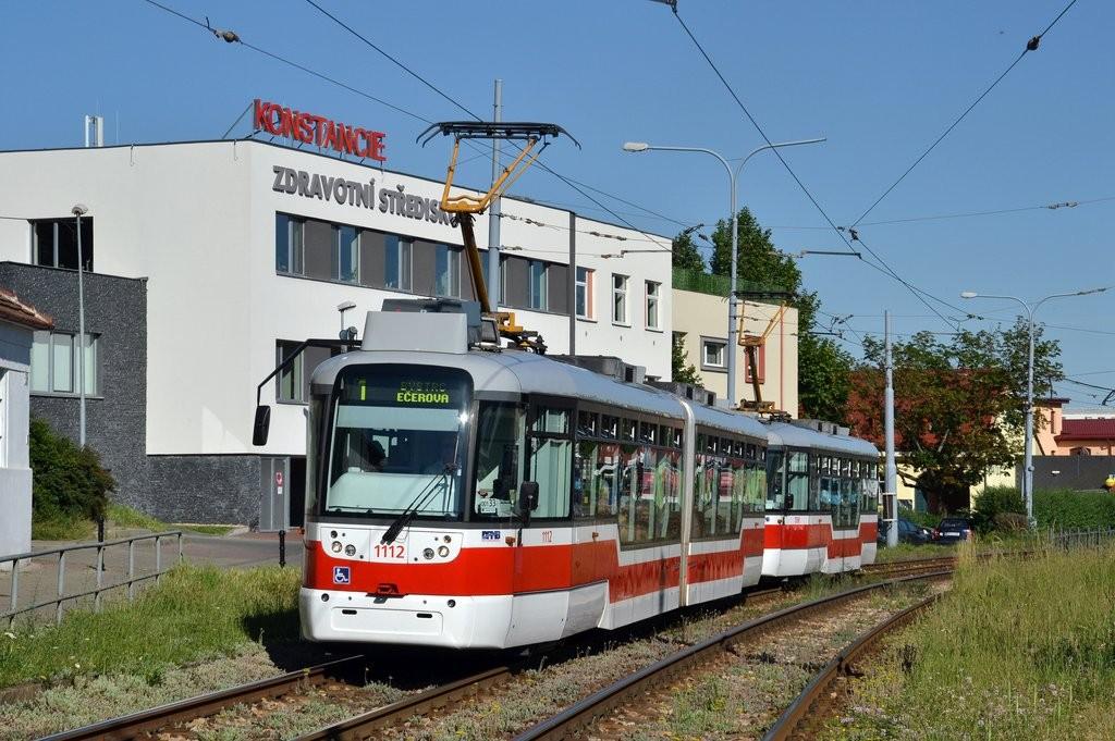 Fotogalerie » Pragoimex VarioLF2R.E 1112 | Pragoimex VarioLFR.E 1598 | Brno | Komín | Kníničská