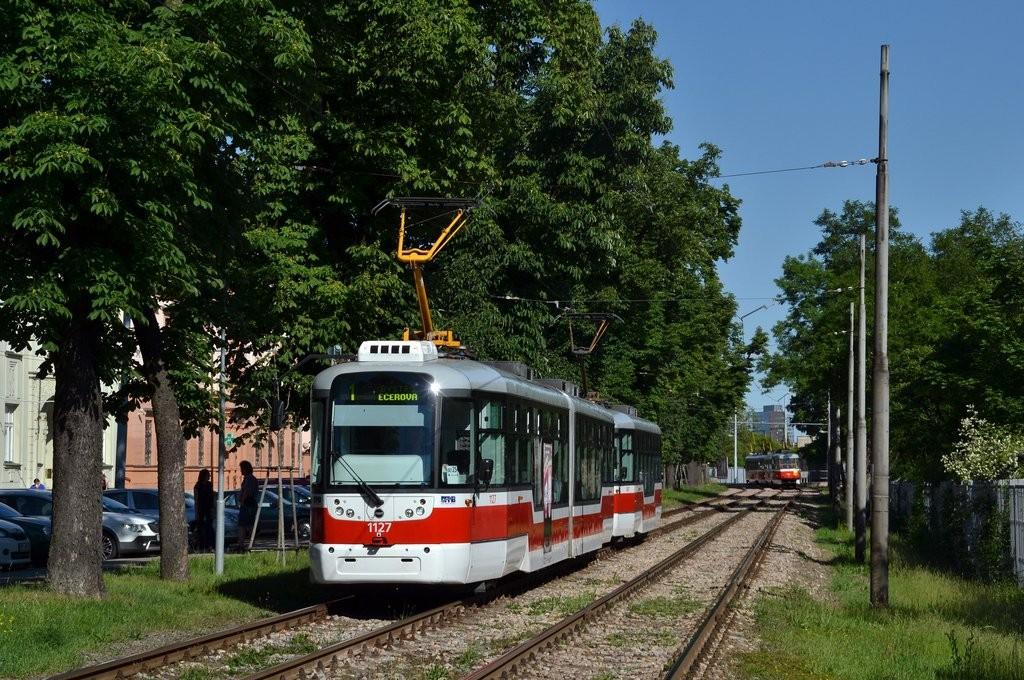 Fotogalerie » Pragoimex VarioLF2R.E 1127 | Pragoimex VarioLFR.E 1497 | Brno | Pisárky | Hlinky