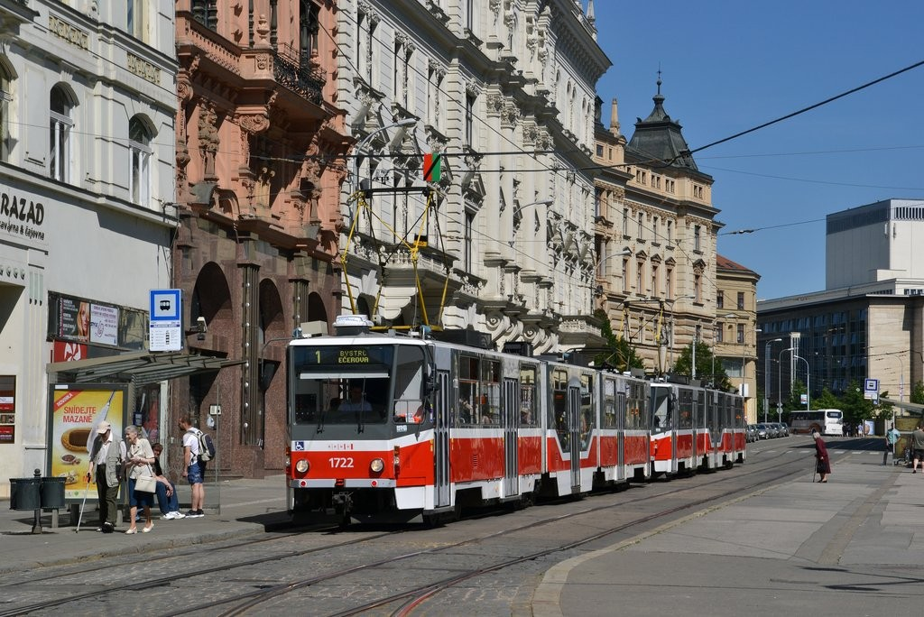 Fotogalerie » ČKD Tatra KT8D5R.N2 1722 | Brno | střed | Malinovského náměstí | Malinovského náměstí