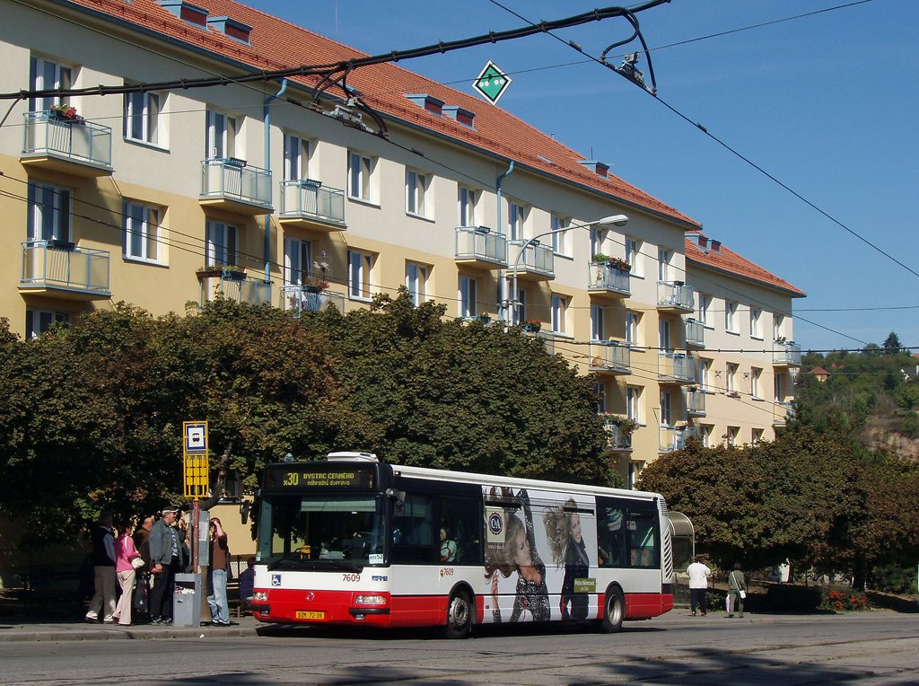 Fotogalerie » Irisbus Citybus 12M 2071.20 7609 | Brno | Královo Pole | Kosmova | Semilasso