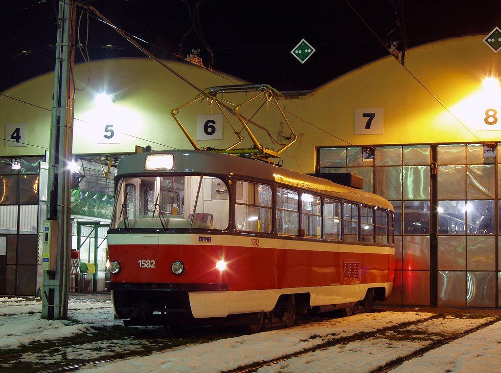 Fotogalerie » ČKD Tatra T3M 1582   Brno   vozovna Medlánky