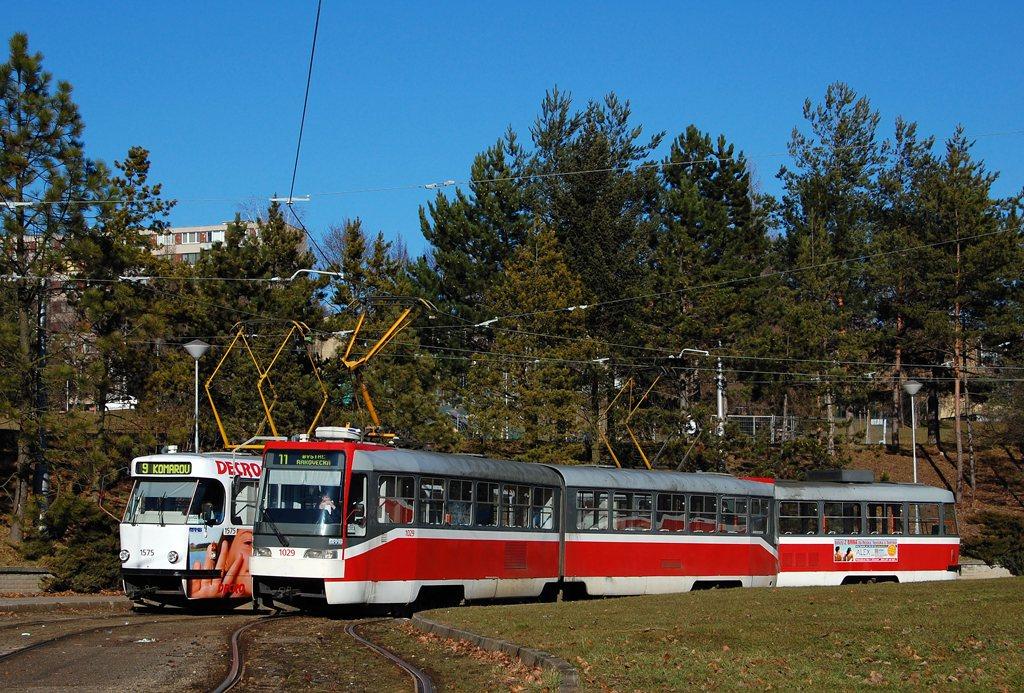 Fotogalerie » ČKD Tatra K2R03 1029 | ČKD Tatra T3M 1575 | Brno | Lesná | Čertova rokle