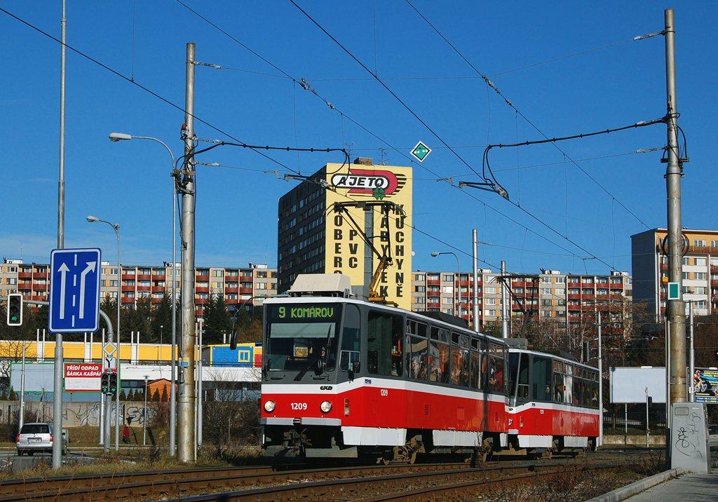 Fotogalerie » ČKD DS T6A5 1209 | ČKD DS T6A5 1210 | Brno | Lesná | Halasovo náměstí