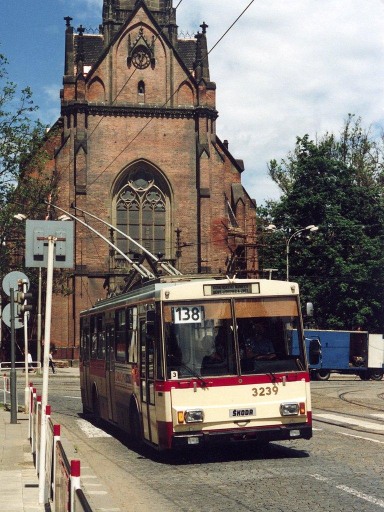 Fotogalerie » Škoda 14Tr10/6 3239 | Brno | střed | Komenského náměstí