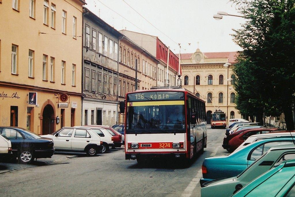 Fotogalerie » Škoda 14Tr17/6M 3274   Brno   Veveří   Slovákova