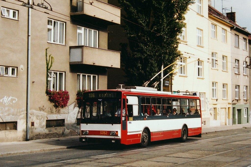 Fotogalerie » Škoda 14Tr17/6M 3282 | Brno | Královo Pole | Purkyňova | Skácelova