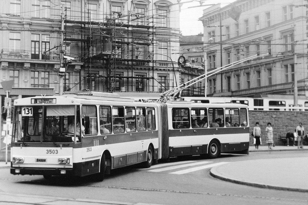 Fotogalerie » Škoda 15Tr02 3503   Brno   střed   Hlavní nádraží, smyčka