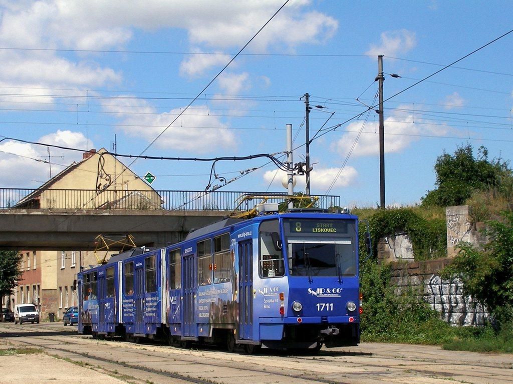 Fotogalerie » ČKD Tatra KT8D5 1711 | Brno | Židenice | Nezamyslova