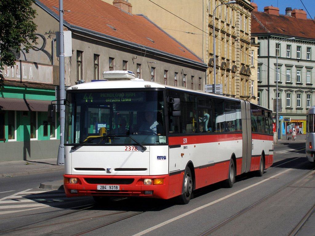 Fotogalerie » Karosa B961E.1970 2378 | Brno | Staré Brno | Křížová | Poříčí