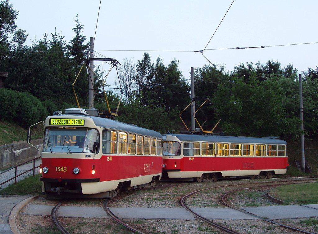 Fotogalerie » ČKD Tatra T3P 1543 | ČKD Tatra T3P 1587 | Brno | Bystrc | Rakovecká, smyčka